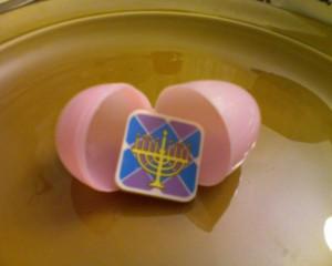 menorah-egg